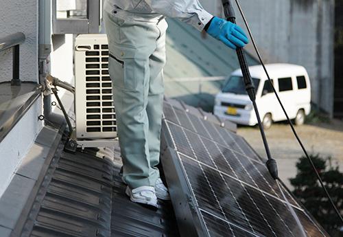 太陽光パネルの洗浄