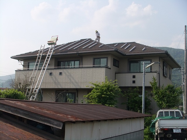 山梨県甲府市S様太陽光パネル設置事例施工前