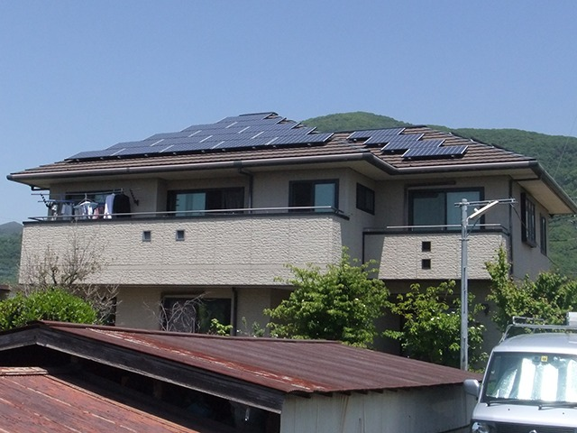 山梨県甲府市S様太陽光パネル設置事例施工後